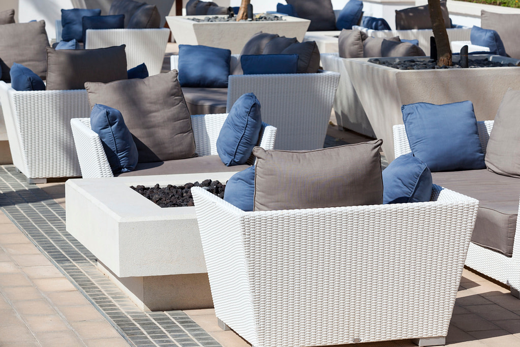 Outdoor Living Trends: Maximize Your Commercial Property with Patio Shade & More!