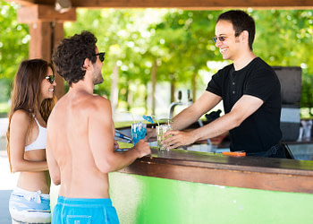 How to Increase Your Bar Profits by Maximizing Your Outdoor Space
